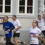 Mit einem Lächeln rannten die Mitarbeiter von Firma THOR durch die Altstadt von Erfurt. Sie nahmen am Unternehmenslauf 2017 teil.