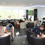 Im Foyer der THOR-Akademie in Menteroda lernten sich die neuen THOR-Azubis bei einem aktiven Vorstellungsspiel genauer kennen.