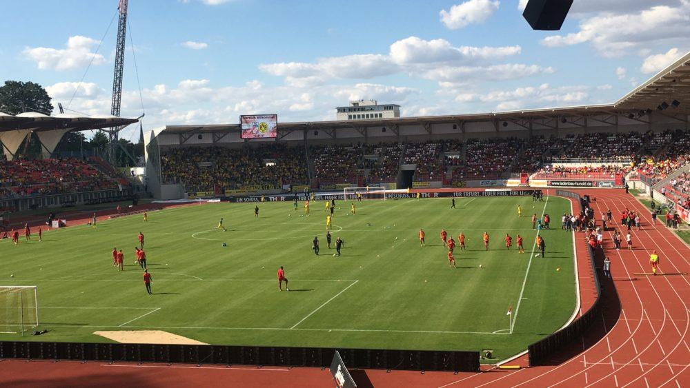 Nachholspiel des FC RWE gegen den BVB im Steigerwaldstadion Erfurt.